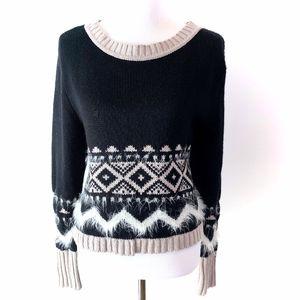 Ski sweater black and white textured by Rubbish L